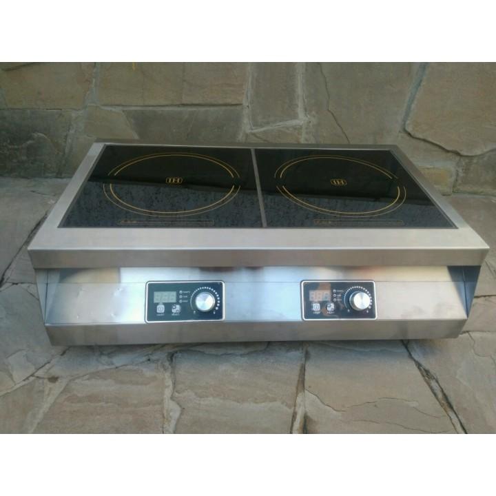 Настольная индукционная  плита 2 конфорки по 2,5 кВт